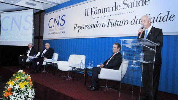 Diretoria da CNS analisa a regulamentação da Lei 13.003